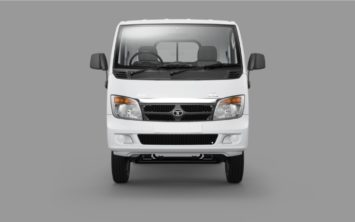 tata-ace-xl-arctic-white-front-view-03