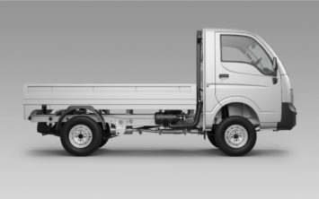 tata-ace-xl-chill-metallic-side-view-01